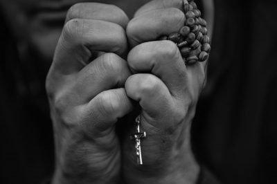 Grupos de Oración en la Escuela de María Reina de la Paz
